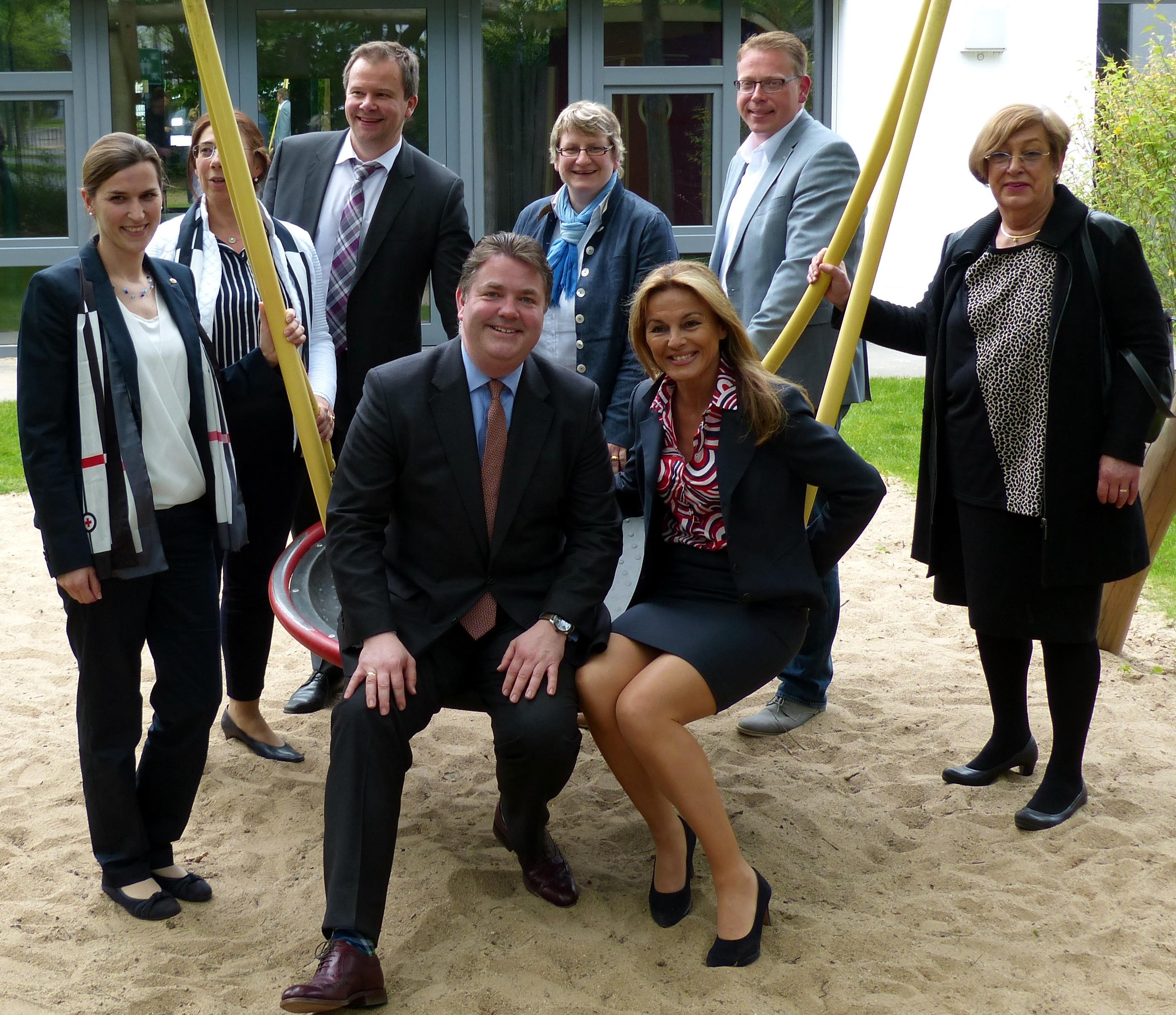 Bundestags Vizepräsidentin besucht stups Kinderzentrum